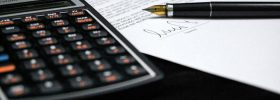 Podpisana umowa i kalkulator